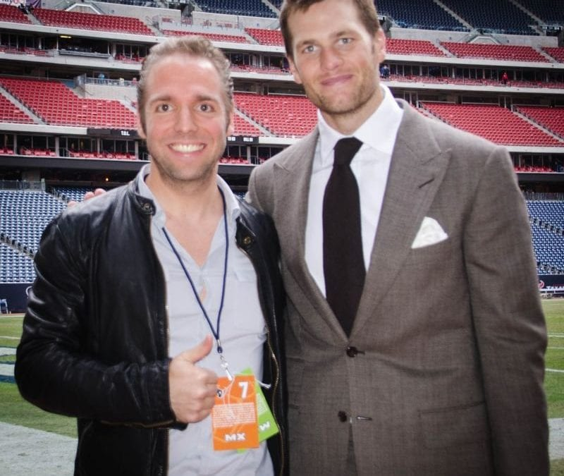 Mit dem Star-Quarterback der New England Patriots Tom Brady