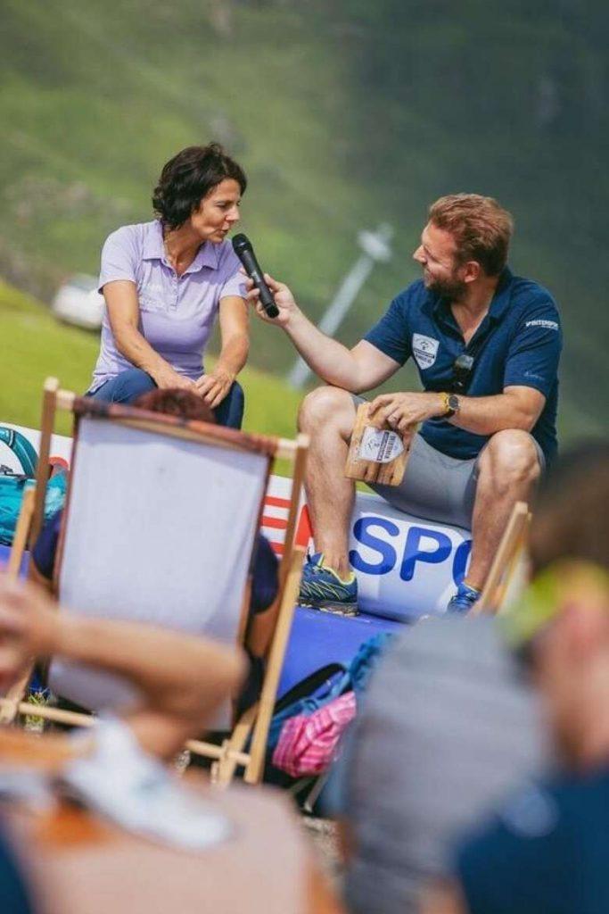 Gerlinde Kaltenbrunner, Ronny Leber sprechen auf den Intersport Wandertagen