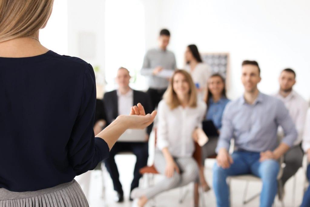 Redeangst überwinden beim Vortrag